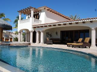 Cabo/Mexico - Stunning Villa w/ Infinity Pool & Jacuzzi & Detached Casita, Steps to Beach!, San Jose Del Cabo