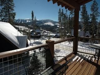Luxurious 3 bed 3.5 bath home 2 mins from Winter Park with Private Shuttle.
