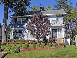 Super Bowl In Style - 5 bedroom house sleeps 9! 9 miles from stadium!, Upper Montclair