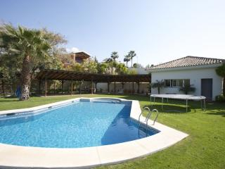 Villa Frontline Golf Benahavis - Marbella vacation rentals