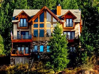 Luxury Lake Pend Oreille Vacation Home- Sleeps 12! - Sagle vacation rentals