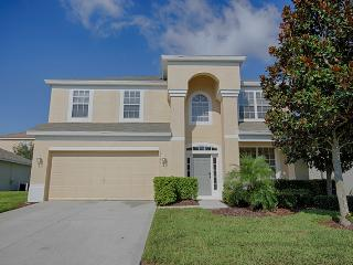 Brand New, Luxury 6 B Villa gated 2 mile to Disney, Kissimmee
