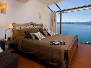 3 BEDROOM PENTHOUSE (TD3 ) JACUZZI, GYM & BBQ! - San Carlos de Bariloche vacation rentals