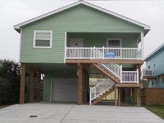 Brand New, Pet friendly, sleeps 8, Boat Parking, Not too far from beach, Port Aransas