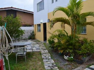Stella Mares. Cozy 42m2 flat at closed condominium, Salvador
