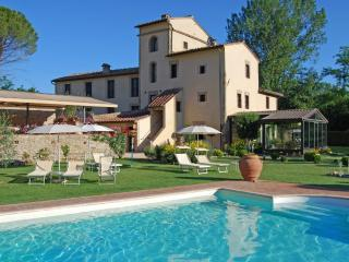 Charming Bed and Breakfast in Tuscan Countryside, San Gimignano