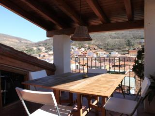 Charming rural house with big terrace, Pasaron de la Vera