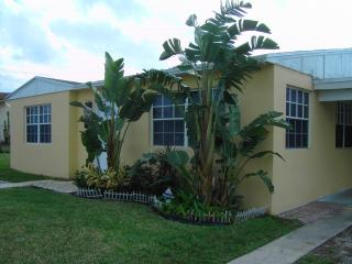 West Palm Beach Area Bongalow - Riviera Beach vacation rentals