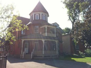 Fabulous furnished 2 bedroom in Victorian turret, Ottawa