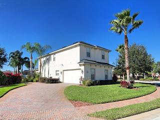 OUR SPANGLED MANOR - 5 Bedroom Pool and Spa Home in Gate Community, Davenport