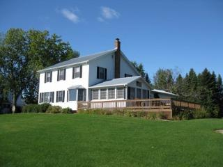 Island View Farm features magnificent lake views to the east, crystal clear water, and a real country feel. - Lake Champlain Valley vacation rentals