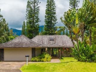 Hale Kamalani: Spacious 3br + loft, mountain and golf course views, BARGAIN!, Princeville