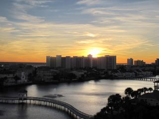 Newly Remodeled Corner Unit W/Amazing Gulf Views!!, Destin