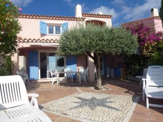 Great Villa 10 people with sea view & jacuzzi, Cavalaire-Sur-Mer