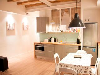 Stylish Flat In The Center Of Barcelona