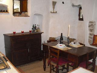 Charming house in the heart of a medieval village - Abruzzo vacation rentals