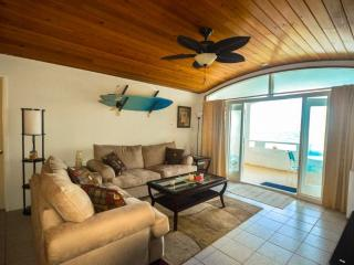 ST CROIX OCEANFRONT PENTHOUSE!, Christiansted