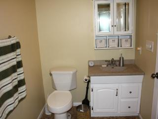 Clean and Private Mother-In-Law Apartment for Rent, Columbia