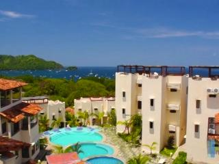 3BR Rooftop Terrace Ocean View Costa Rica sleeps 8, Playas del Coco