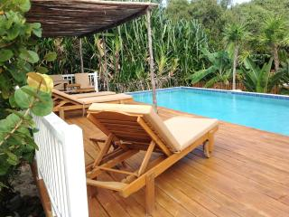 Brand New Cabana with Swimming Pool & AC, Caye Caulker