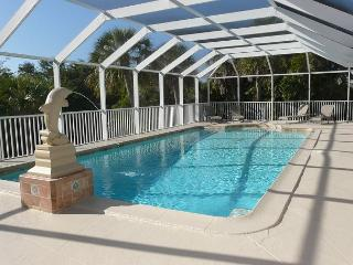 Spacious house on oversized lot with two master suites and heated pool, Marco Island