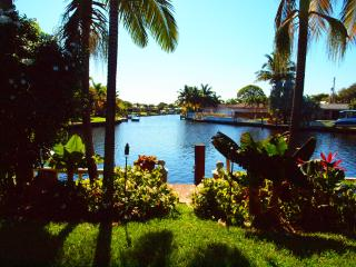 Tropical Waterfront Getaway! Boater's Paradise!, Fort Lauderdale