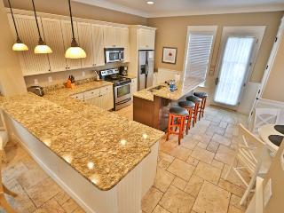 4 Bdrm House next to pool and close to water park, Panama City Beach
