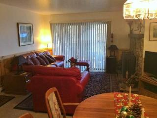 Comfortable Condo with Three Queen Bedrooms (3TSP), Incline Village
