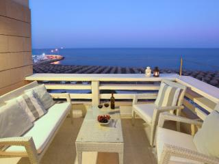 Makenzie Seafront Suite, Larnaka City