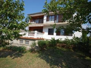 Jurisa Đuka ~ RA41056 - Njivice vacation rentals