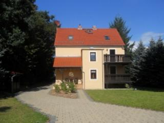 Vacation Apartment in Pirna - 861 sqft, renovated, quiet, natural (# 4711) - Pirna vacation rentals