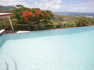 KISMET...beautiful contemporary villa with gorgeous views of Orient Bay, Oyster Pond
