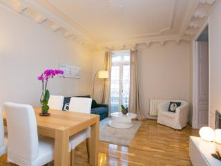 Fantastic 2 Bedroom Apartment Sagrada Familia (Eix, Barcelona