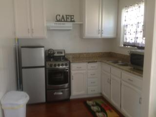 One bedroom just remodeled in  a safe neighborhood, Santa Monica