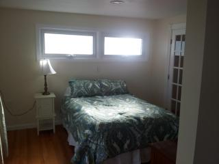 Studio Apt, Hampton Beach NH (Ocean Blvd Rear) - Hampton vacation rentals