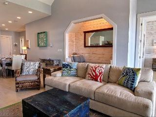 Stunning 3BR/3BA Custom Condo at Cinnamon Shore sleeps 11, huge kids Bunkroom, Port Aransas