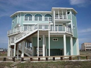 Ships Ahoy- Beach Front Home with a Ship in the Master!, Galveston