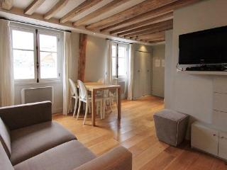 St Anne: Fantastic 2BR and 2BA apartment -Opera area, Paris