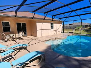 Cove Retreat at Crystal Cove, Relaxing Vacation Home in Kissimmee