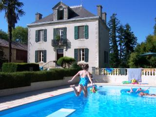 Villa Leon B&B: beautiful house in rural SW France, Sainte-Dode