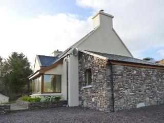 GALLIVANS, luxury detached cottage, en-suites, open fire, sea views, beach close by, near Caherdaniel, Ref 19663 Ref 19663