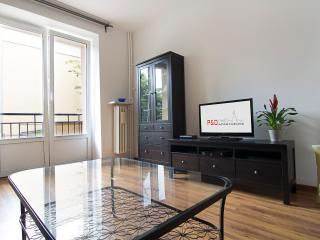 Next to city center! Sandomierska - Warsaw vacation rentals