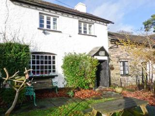 FARMSTEAD, character cottage, woodburner, en-suite, walks from the door, near Coniston, Ref 27144