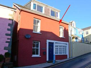 THE POTTER'S WHEEL, first floor apartment in central location, harbour views, in Saundersfoot, Ref 29360