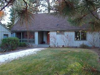 A delightful two bedroom home located in a wooded spot, yet so close to town! - Bend vacation rentals