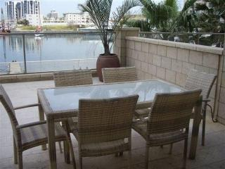 Luxury apartment lagona herzelya amazing view, Herzlia