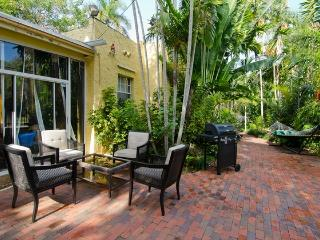 9P Charming Coconut Grove House w/garden near Marina and Restaurants - Coconut Grove vacation rentals