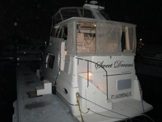 When visiting the yachting capital of the world you may want to stay on a boat to add  to the experience, Fort Lauderdale