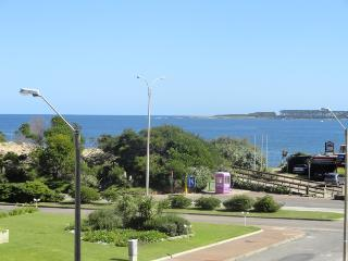 Stunning Sea views 2 bed apartment 30m from beach, Punta del Este