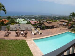 Luxury Home, AwesomeViews, Heated Pool, in town, Kailua-Kona